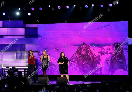 Wendy Wilson, Chynna Phillips, Carnie Wilson From left, Wendy Wilson, Chynna Phillips and Carnie Wilson, of music group Wilson Phillips, perform onstage at the Do Something Awards, in Los Angeles