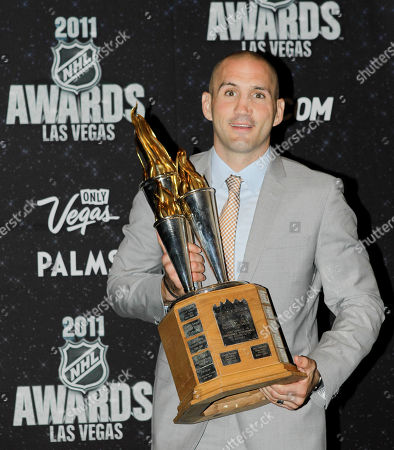 Ian Laperriere Philadelphia Flyers' Ian Laperriere holds the Bill Masterton Memorial Trophy, awarded for perseverance, sportsmanship and dedication to hockey, during the 2011 NHL Awards, in Las Vegas