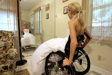 Editorial picture of Paralyzed Bride, Raleigh, USA