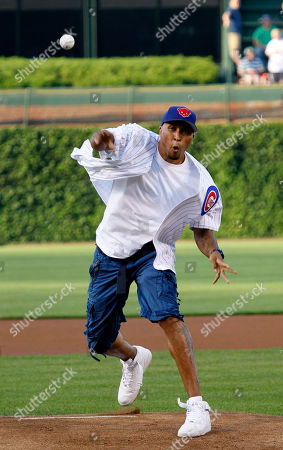 Shawn Marion Dallas Mavericks' Shawn Marion, a Chicago native, throws out a ceremonial first pitch before a baseball game between the Chicago Cubs and the Philadelphia Phillies, in Chicago