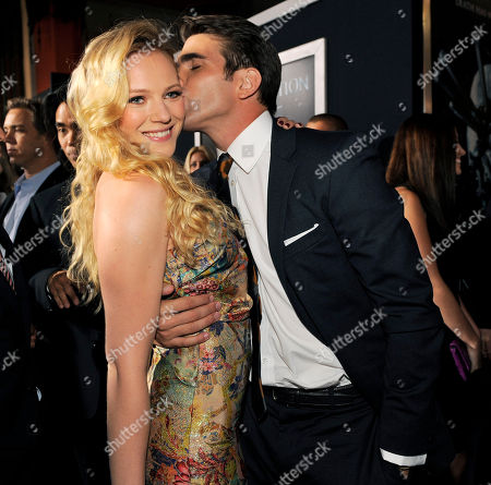 """Emma Bell, Miles Fisher Emma Bell, left, a cast member in """"Final Destination 5,"""" gets a kiss from fellow cast member Miles Fisher at the premiere of the film in Los Angeles, . The film opens in theaters on August 12"""