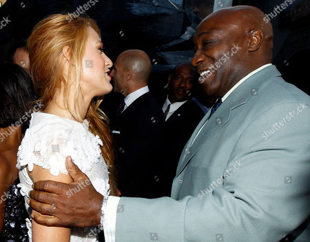 """Blake Lively, Michael Clarke Duncan Cast members Blake Lively, left, and Michael Clarke Duncan greet each other at the premiere of """"Green Lantern"""" in Los Angeles, . The film will be released June 17"""