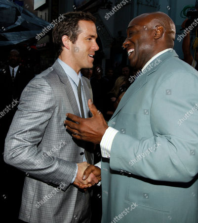 """Ryan Reynolds, Michael Clarke Duncan Cast members Ryan Reynolds, left, and Michael Clarke Duncan greet each other at the premiere of """"Green Lantern"""" in Los Angeles, . The film will be released June 17"""
