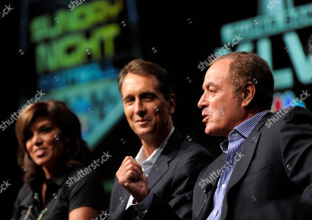 "Al Michaels, Chris Collinsworth, Michele Tafoya Al Michaels, right, play-by-play commentator for ""Sunday Night Football,"" takes part in a panel discussion on the show with game analyst Chris Collinsworth, center, and sideline reporter Michele Tafoya at the NBC Universal summer press tour, in Beverly Hills, Calif"