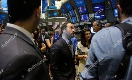 Actor Jeremy Piven, who plays Ari Gold in HBO's series Entourage, visits the New York Stock Exchange on