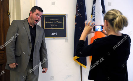 Mark Hill, Sayde Lewis By Sayde Lewis, 11, of Nashville, Tenn., outside the office of Rep. Anthony Weiner, D-N.Y., on Capitol Hill in Washington, . Weiner's last day in Congress will be Tuesday, he has told House and New York State officials