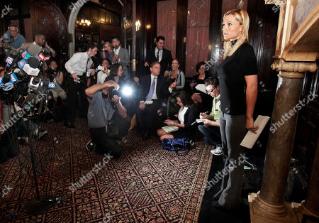 Ginger Lee Former porn actress Ginger Lee arrives for her news conference at the Friars Club, in New York, . Lee, who said she exchanged emails and messages over Twitter with New York Rep. Anthony Weiner, said Wednesday that he asked her to lie about their online communications