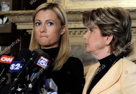 ALLRED Former porn actress Ginger Lee, left, and her attorney Gloria Allred address a news conference at the Friars Club, in New York, . Lee, who said she exchanged emails and messages over Twitter with New York Rep. Anthony Weiner, said Wednesday that he asked her to lie about their online communications