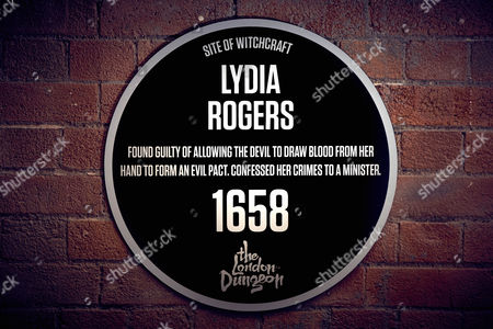 Stock Photo of The Dark Plaque for Lydia Rogers at Turner?s Old Star, 14 Watts Street, Wapping