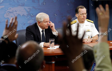 Robert M. Gates, Mike Mullen Secretary of Defense Robert M. Gates, left, and Chairman of the Joint Chiefs of Staff Adm. Mike Mullen pause during a media availability at the Pentagon in Washington