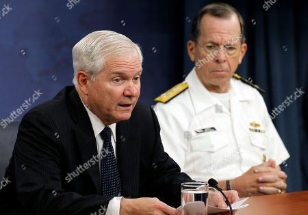 Robert M. Gates, Mike Mullen Secretary of Defense Robert M. Gates, left, and Chairman of the Joint Chiefs of Staff Adm. Mike Mullen speak during a media availability at the Pentagon in Washington