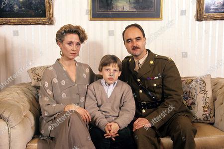 Cathryn Harrison, Simon Radford and David Haig in 'Soldier Soldier' - 1990