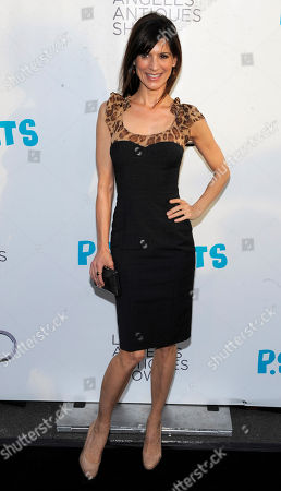 Perry Reeves Actress Perry Reeves arrives at the 16th Annual Los Angeles Antique Show Opening Night Gala to benefit P.S. Arts, in Santa Monica, Calif