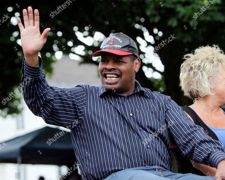 Stock Image of Leon Spinks Former heavyweight boxing champion Leon Spinks waves during a Boxing Hall of Fame parade in Canastota, N.Y. Leon Spinks is in a Las Vegas hospital after a second operation for abdominal problems. The 61-year-old boxer who catapulted to fame by beating Muhammad Ali in 1978 had the second surgery in recent days after complications from the first emergency surgery