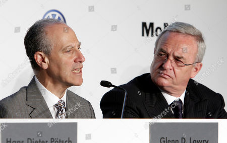 Martin Winterkorn, Glenn Lowry Glenn Lowry, left, Director of the Museum of Modern Art, and Martin Winterkorn, CEO of Volkswagen, participate in a news conference at the museum, where MoMA and Volkswagen announced a new partnership