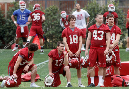 Jimmy Stevens, Michael Hunnicut, Patrick O'Hara Oklahoma's Jimmy Stevens, left center, Michael Hunnicut, center, and Patrick O'Hara, right center, watch a play during the first day of spring practice in Norman, Okla