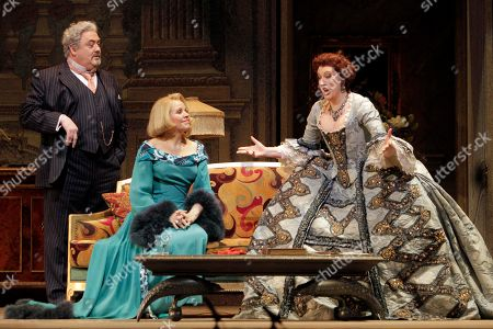 "Renee Fleming, Peter Rose, Sarah Connolly Peter Rose, as La Roche, Renee Fleming, center, as The Countess, and Sarah Connolly, as Clarion, during the final dress rehearsal of Richard Strauss's ""Capriccio"" in the Metropolitan Opera at New York's Lincoln Center"