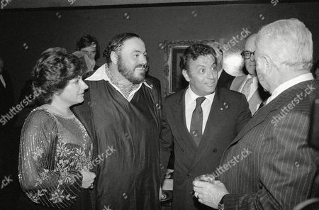 """Zubin Mehta, Adua, Luciano Pavarotti Adua and Luciano Pavarotti, left, talk with conductor Zubin Mehta at pre-screening party for the movie, """"Yes Giorgio"""" in New York on Wednesday in September 1982. Pavarotti makes his movie debut in the film. At right is actor Eddie Albert"""