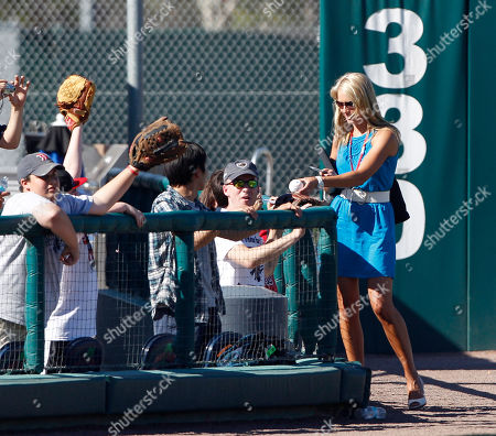 Heidi Watney Boston Red Sox television field reporter Heidi Watney signs autographs for fans before facing the Minnesota Twins in a spring training baseball game in Fort Myers, Fla