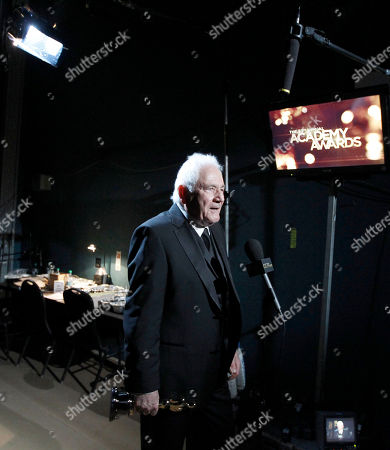 """David Seidler SCIENCES FOR USE UPON CONCLUSION OF THE ACADEMY AWARDS TELECAST **David Seidler is seen backstage after accepting the Oscar for best original screenplay for """"The King's Speech"""" at the 83rd Academy Awards, in the Hollywood section of Los Angeles"""