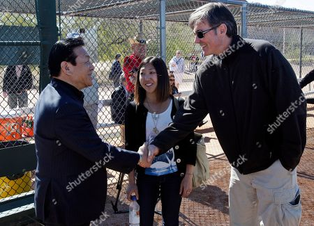 Masao Matsui, Billy Beane Hideki Matsui's father Masao Matsui, left, meets Oakland Athletics general manager Billy Beane, right, at the team's spring training baseball facility in Phoenix