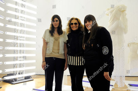 "Laura Mulleavy, Kate Mulleavy, Diane von Furstenburg Designers Laura Mulleavy, left, and her sister Kate, right, pose with Diane von Furstenburg at a preview of the sisters' first West Coast solo exhibition ""Rodarte: States of Matter,"" in West Hollywood, Calif"