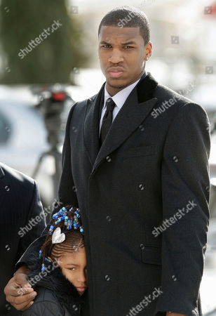 Thomas Robinson, Jayla Robinson Kansas basketball player Thomas Robinson and his 9-year-old sister Jayla Robinson, arrive for funeral services of their mother Lisa Robinson, at Antioch Baptist Church in Washington