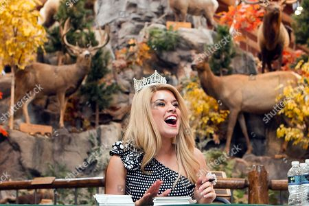 Teresa Scanlan Teresa Scanlan, Miss America 2011, on the last day of her homecoming tour of Nebraska, during an appearance at a Cabela's store in La Vista, Neb