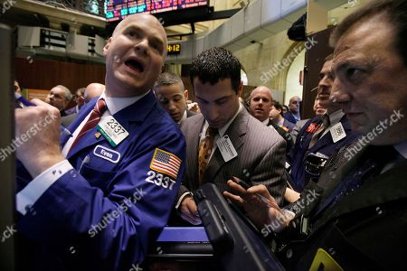 """Stock Photo of Evan Solomon Specialist Evan Solomon, left, resumes trading in shares of NYSE Euronext on the floor of the New York Stock Exchange . Stock market operator NYSE Euronext confirms it's in """"advanced discussions"""" about a potential business combination with Germany's Deutsche Boerse AG"""