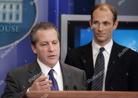 Gene Sperling, Austan Goolsbee National Economic Council Director Gene Sperling, left, accompanied by Council of Economic Advisers Chairman Austan Goolsbee, talks about the new report on American innovation, in the James Brady Press Briefing Room of the White House in Washington