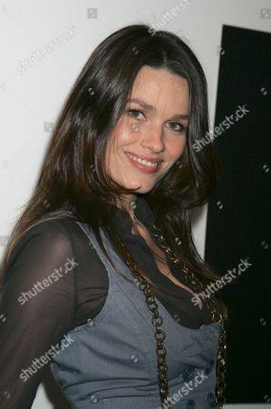 Larissa Bond