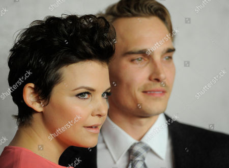 """Ginnifer Goodwin, Joey Kern Ginnifer Goodwin, a cast member in the HBO series """"Big Love,"""" poses with fiance Joey Kern at the Season 5 premiere in Los Angeles"""