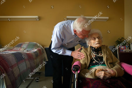 Besse Cooper, Sid Cooper Besse Cooper, right, who at 114 years and five months old, is the world's oldest person, according to the Los Angeles-based Gerontology Research Group, talks with her son Sid Cooper in her room at a nursing home, in Monroe, Ga