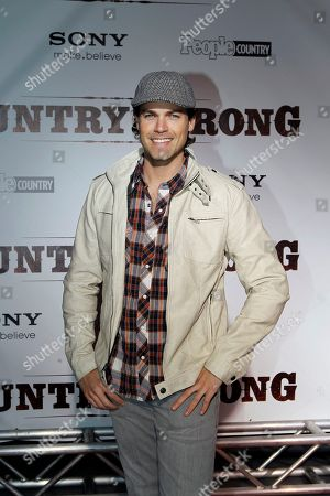 "Jaron Lowenstein Singer and songwriter Jaron Lowenstein arrives for the premiere of the film ""Country Strong"", in Nashville, Tenn"