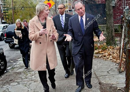 Hearst Magazines chairwoman Cathie Black, left, New York's new schools chancellor, Deputy Mayor Dennis Walcott, center, and Mayor Michael Bloomberg, right, arrive for a visit to Public School 109 in the Bronx, in New York. It was Black's first public appearance a day after the state granted her a waiver to bypass state law requiring chancellors to have education experience