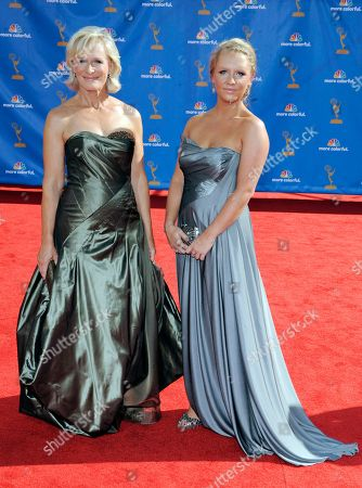 Glenn Close, Annie Stark Glenn Close and her daughter, Annie Stark, arrive at the 62nd Primetime Emmy Awards, in Los Angeles
