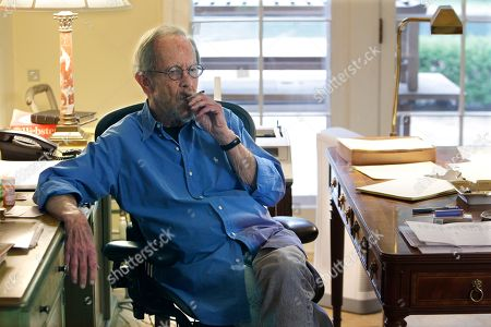Elmore Leonard Author Elmore Leonard is shown during an interview at his home in Bloomfield Township, Mich