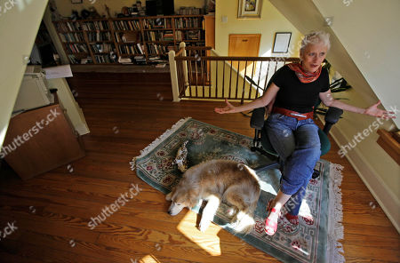 """Sara Paretsky Author Sara Paretsky is seen during an interview at her Chicago home. Paretsky's latest book, """"Body Work"""" is the fourteenth in her series about feisty, female private detective V.I. Warshawski"""
