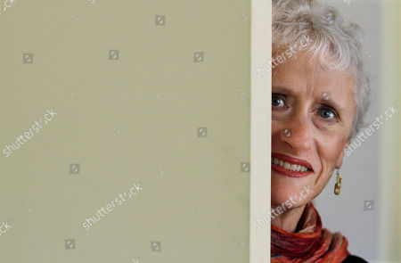 """Stock Image of Sara Paretsky Author Sara Paretsky is seen during an interview at her Chicago home. Paretsky's latest book, """"Body Work"""" is the fourteenth in her series about feisty, female private detective V.I. Warshawski"""