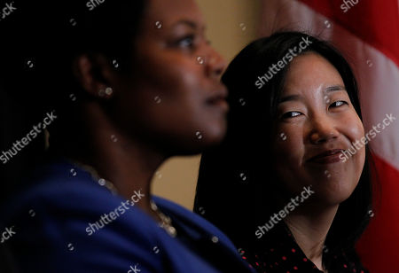Michelle Rhee, Kaya Henderson DC Schools Chancellor Michelle Rhee, right, smiles during an announcement that she is resigning, during a news conference in Washington. Rhee will be replaced by Deputy Chancellor Kaya Henderson, left