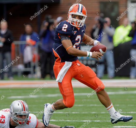 Nathan Scheelhaase Illinois quarterback Nathan Scheelhaase (2) runs with the ball away from Ohio State defensive lineman Nathan Williams (43) during the first half of the NCAA college football game in Champaign, Ill