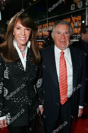 Producer Sidney Kimmel and wife Caroline