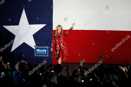 Wendy Davis Texas Democratic gubernatorial candidate Wendy Davis waves to supporters after making her concession speech at her election watch party in Fort Worth, Texas on