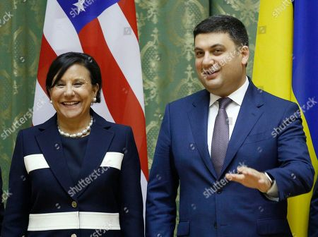 Penny Pritzker, Volodymyr Groysman U.S. Commerce Secretary Penny Pritzker, left, talks with Ukrainian Prime Minister, Volodymyr Groysman, during a meeting in Kiev, Ukraine