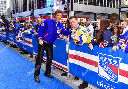 Ron Duguay and fans