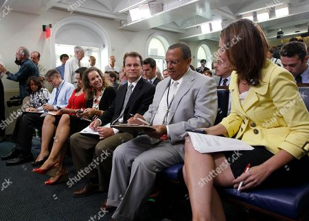 Stock Picture of Jennifer Loven, Suzanne Malveaux, Matt Spetalnick, Yunji de Nies, Chip Reid, Wendall Goler, Savannah Guthrie Associated Press White House Correspondent Jennifer Loven, in the center seat, and others, prior to the start of the daily press briefing in the James Brady Press Briefing Room of the White House in Washington, Tuesday, Aug., 3, 2010. Front row, from left are, CNN's Suzanne Malveaux, Reuters Correspondent Matt Spetalnick, ABC's Yunji de Nies, Loven, CBS's Chip Reid, FOX's Wendell Goler and MSNBC's Savannah Guthrie