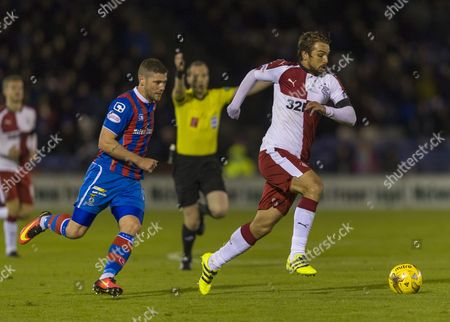 Niko Kranjcar of Rangers chased by Iain Vigurs of Inverness Caledonian Thistle during the SPFL Ladbrokes Premiership match between Inverness Caledonian Thistle & Rangers at the Tulloch Caledonian Stadium, Inverness on 14th October