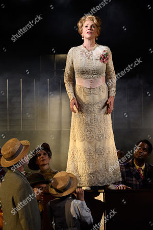 Anita Louise Combe (Mother) and the company.