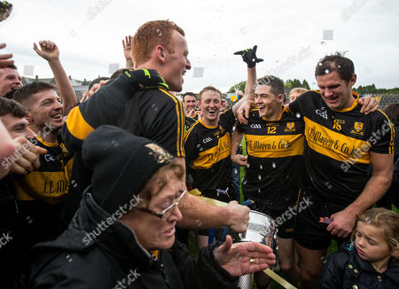 Stock Picture of Dr. Crokes vs Kenmare District. Dr. Crokes' Kieran O?Leary, Johnny Buckley, Colm Cooper, Brian Looney and Eoin Brosnan celebrate after the game