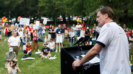 Dr. Andrew Wakefield Dr. Andrew Wakefield addresses a gathering hosted by the American Rally For Personal Rights in Chicago's Grant Park. . Wakefield's 1998 research linking autism and the vaccine for measles, mumps and rubella influenced millions of parents to refuse the shot for their children was banned Monday from practicing medicine in his native Britian
